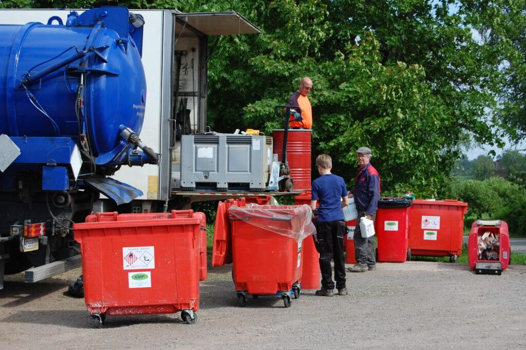 Vaarallisen jätteen keräys Kouvolassa 3.10. ja 10.10.
